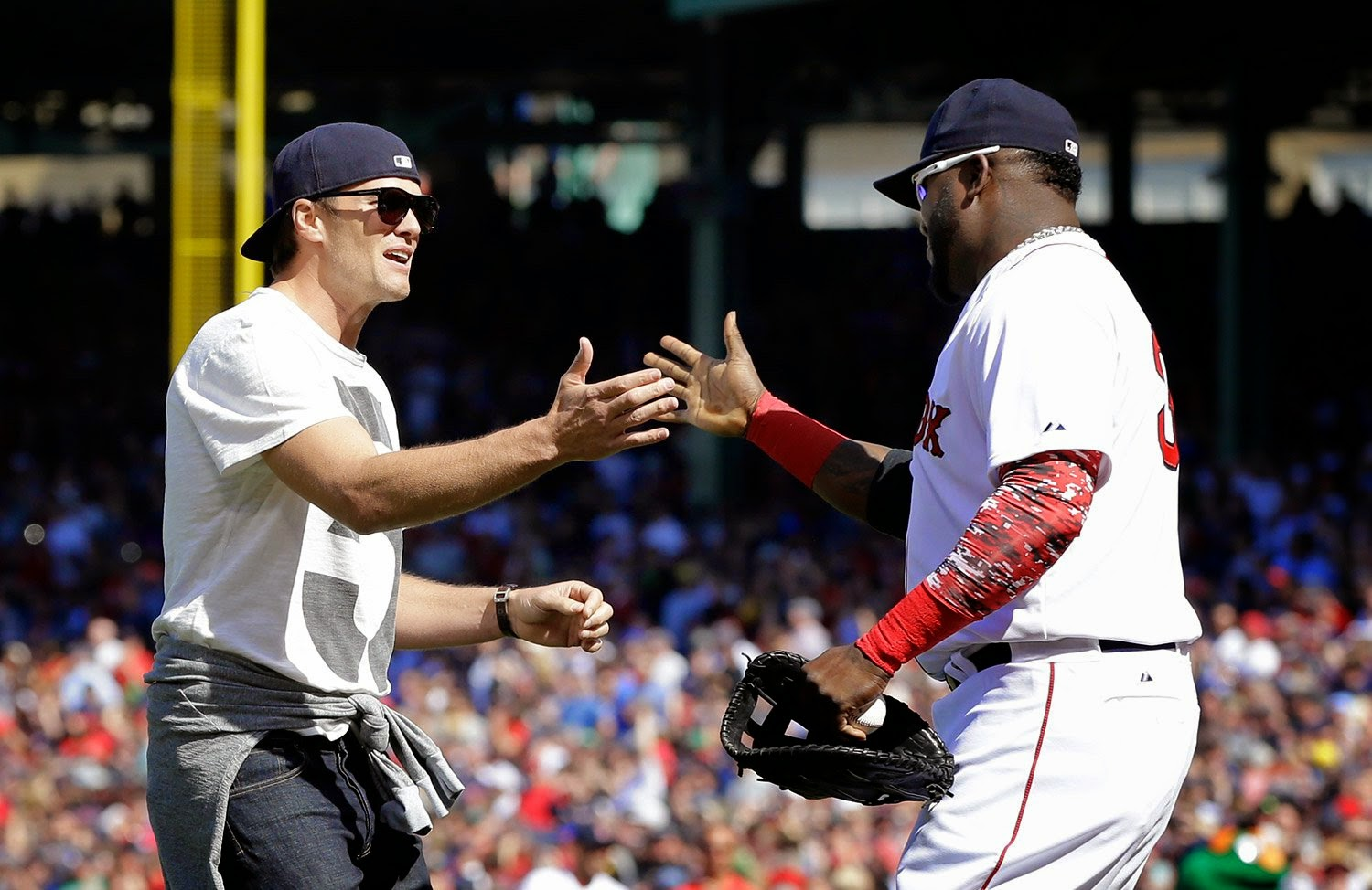 Tom Brady Says He 39 Ll Be A Lifer In Boston Throws Out