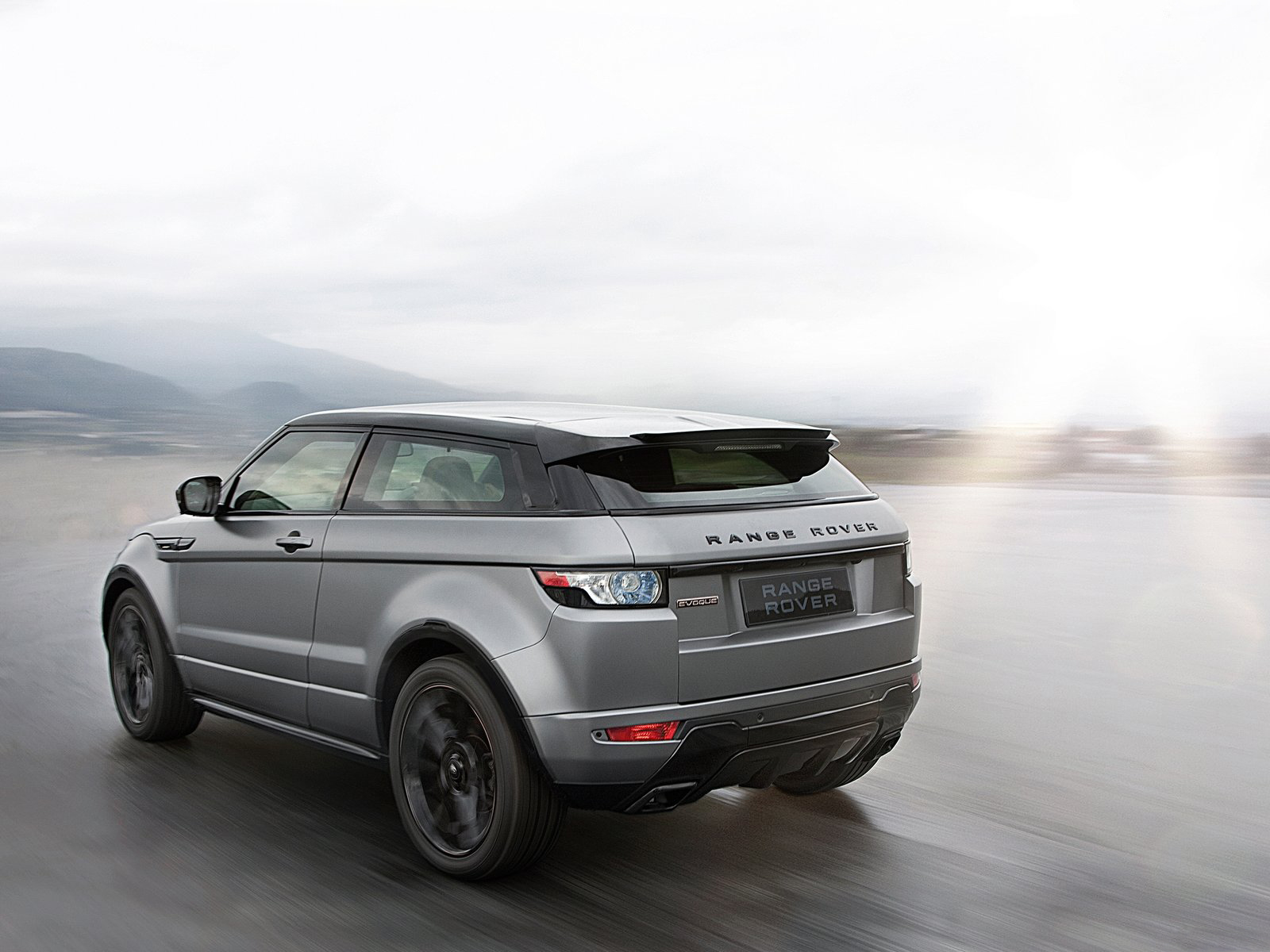 Automotive database range rover evoque rear view fandeluxe Images