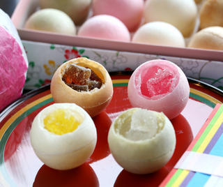 Kue-Kue Cantik Khas Kanazawa Memikat Turis Wanita