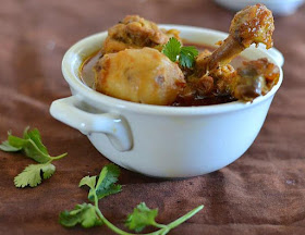 Mix and Stir: Bengali Chicken Curry with a flavor of fennel