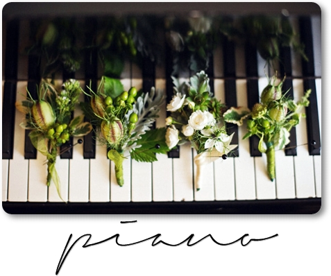 flowers piano, blommor, piano, coursage, cousage
