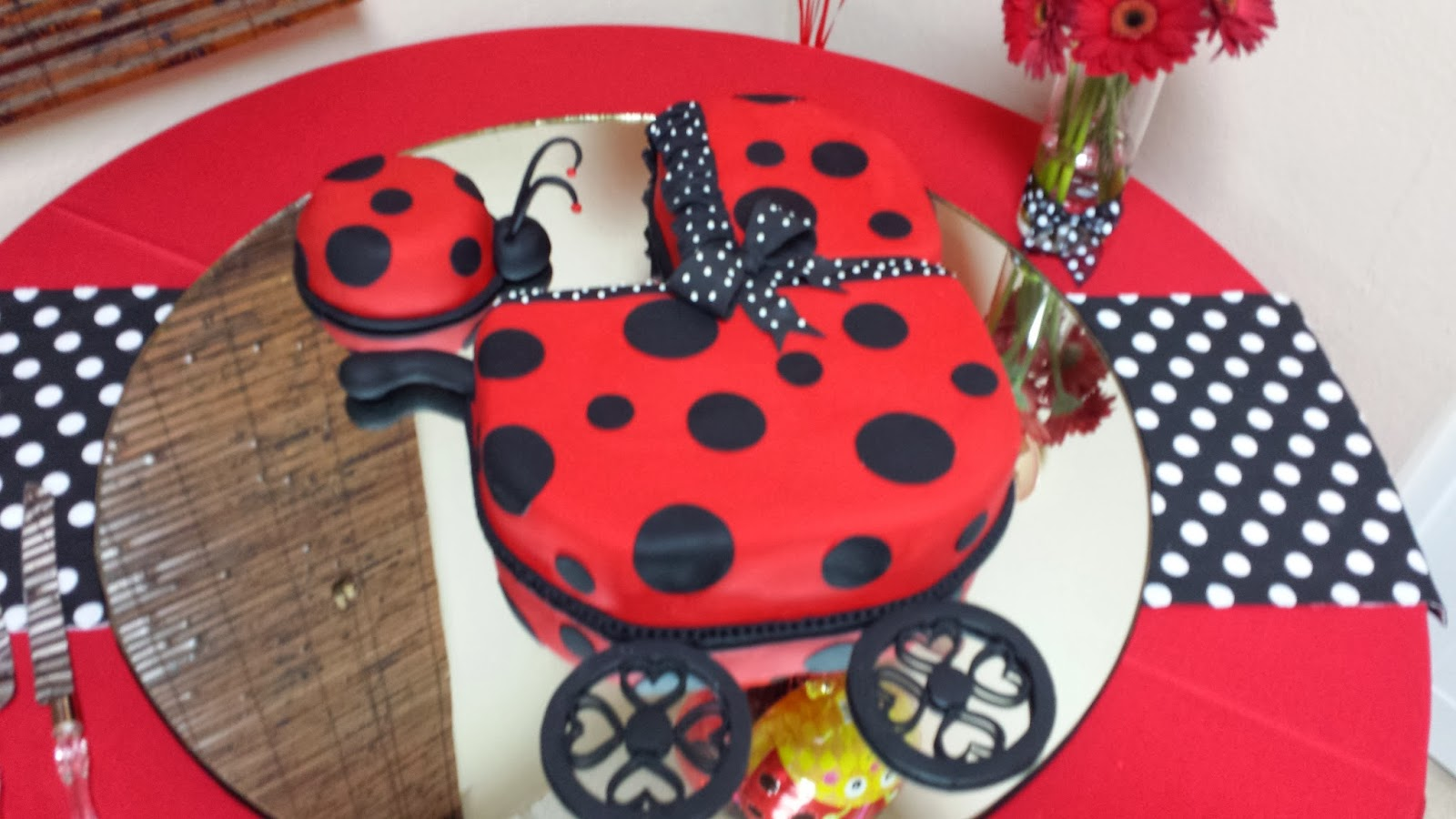 LynnetteArt: Ladybug Baby Shower Party photos