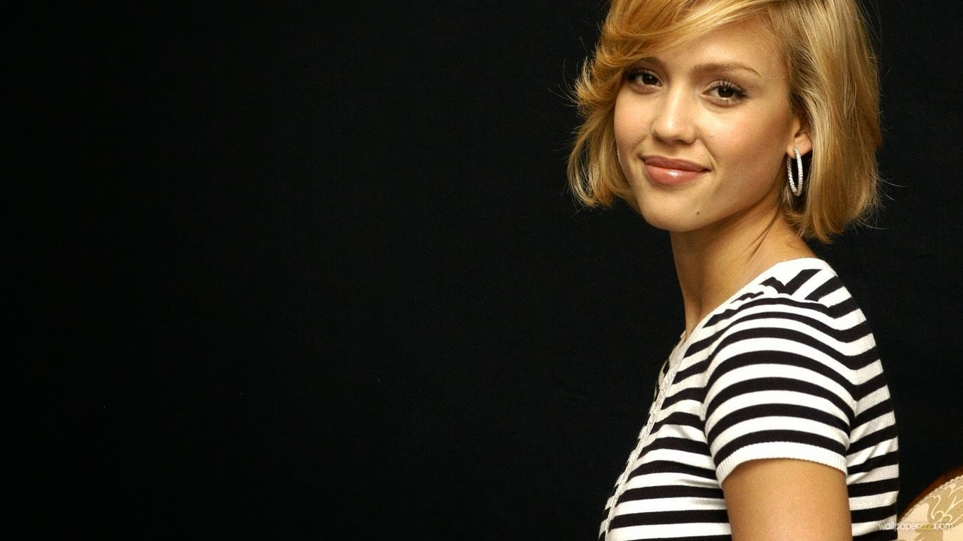 Beatuiful Jessica Alba in Sailor T-Shirt