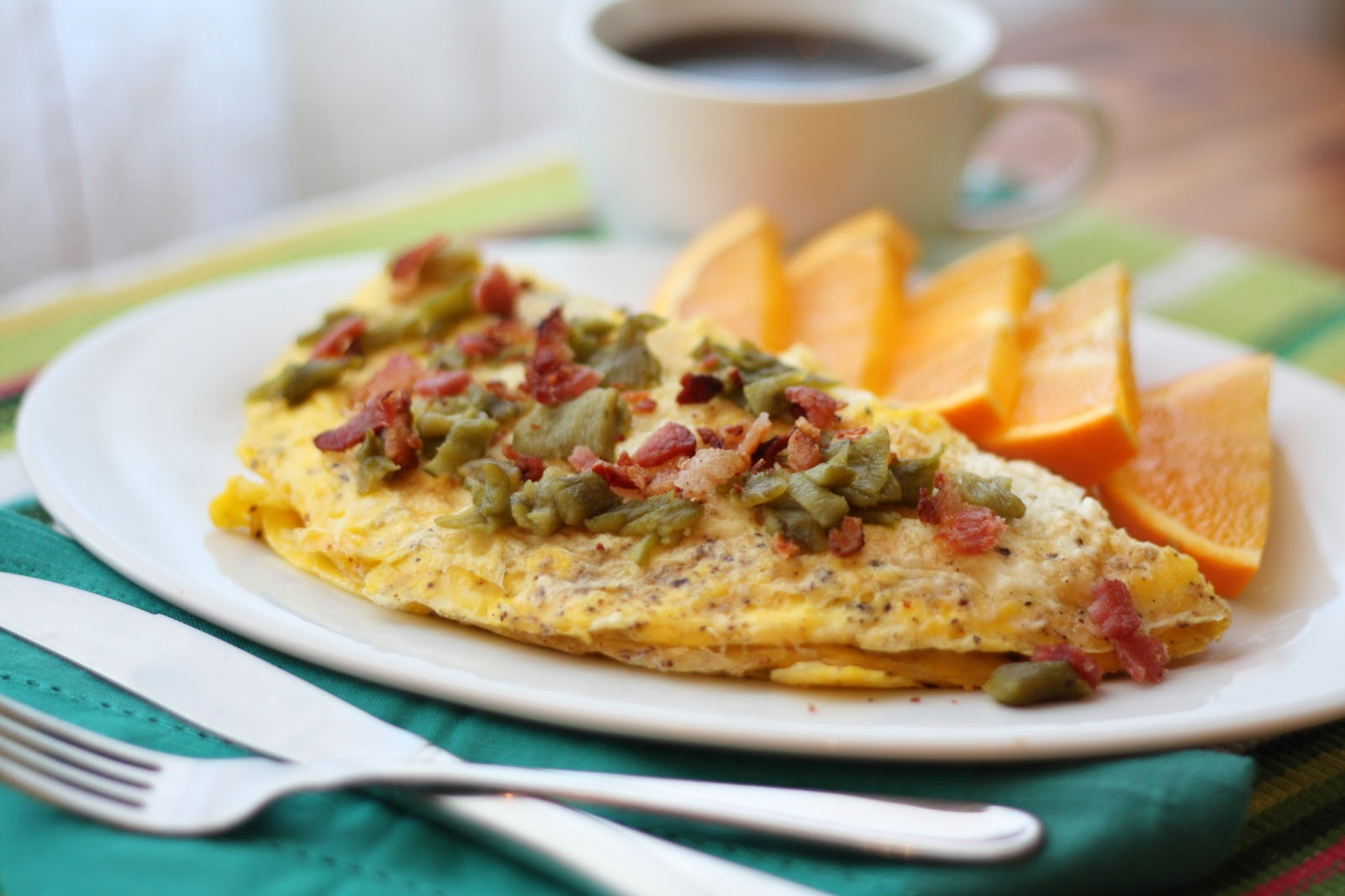 Barefeet In The Kitchen: Bacon, Green Chile and Mushroom Omelet
