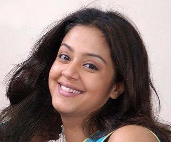 TeluguMovieClub: Jyothika Latest Photos