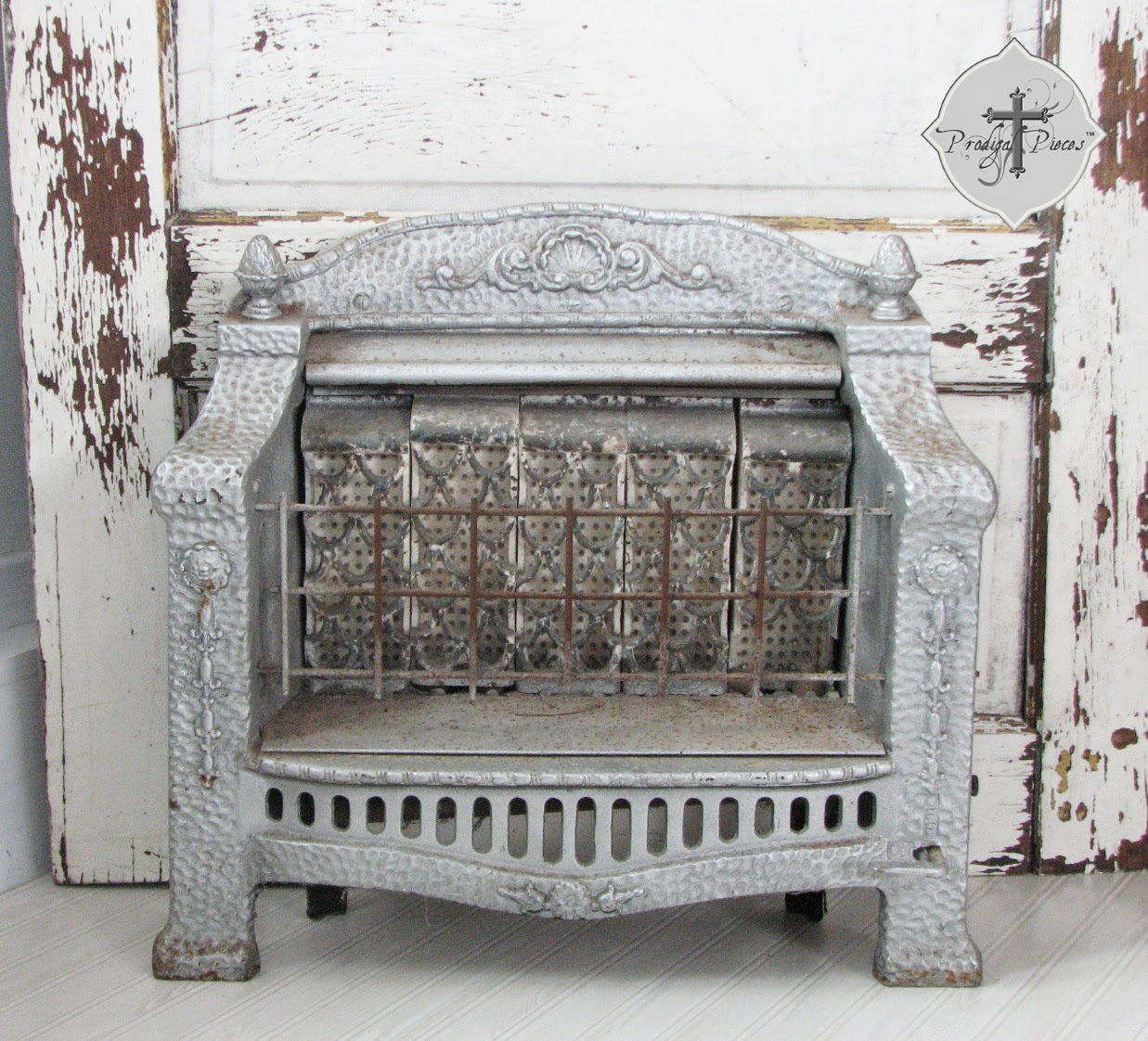 Antique Victorian Ornate Gas Space Heater via http://www.prodigalpieces.com