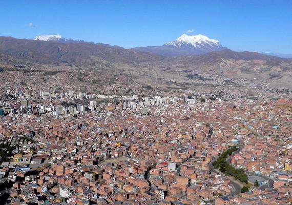 """بالصور مدينة لاباز عاصمة بوليفيا أعلى عاصمة في العالم """"La Paz City, Bolivia"""" مدينة الجبال"""