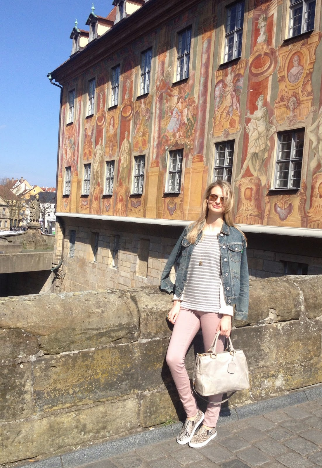 bamberg, fashion blogger, german blogger, german fashion blogger, deutscher fashion blogger, streetstyle, bamberg altes rathaus, denim jacket, jeans jacket, striped jumper, gap jumper, victoria beckham denim, victoria beckham jeans, h&m, hm, slip ons, slip ons, h&m slip ons, snake print, snake print slipons. snake print slipons, chrissabella