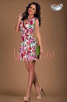 Rochie cu imprimeu floral roz in clos (Tiffani)