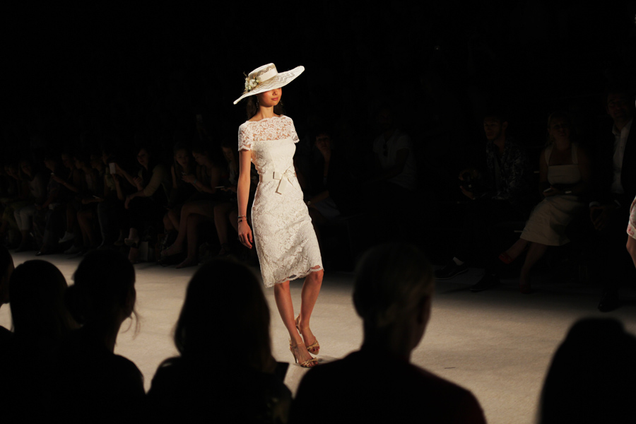 kleid lena hoscke mbfwb berlin fashion week