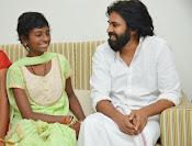Pawan Kalyan meets Srija n family-thumbnail-4