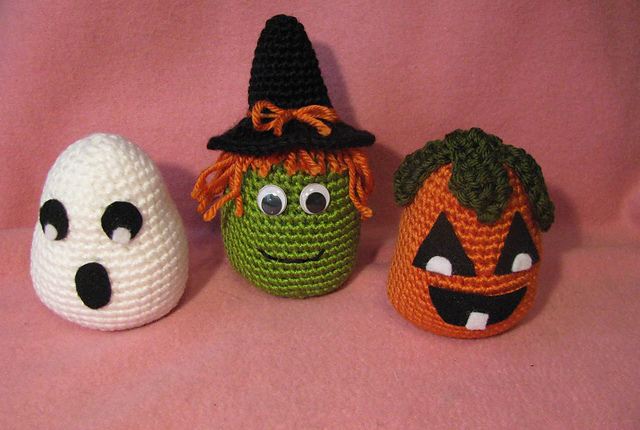 Free Easy Halloween Crochet Patterns : 2000 Free Amigurumi Patterns: Spooky Halloween Trio Amigurumi