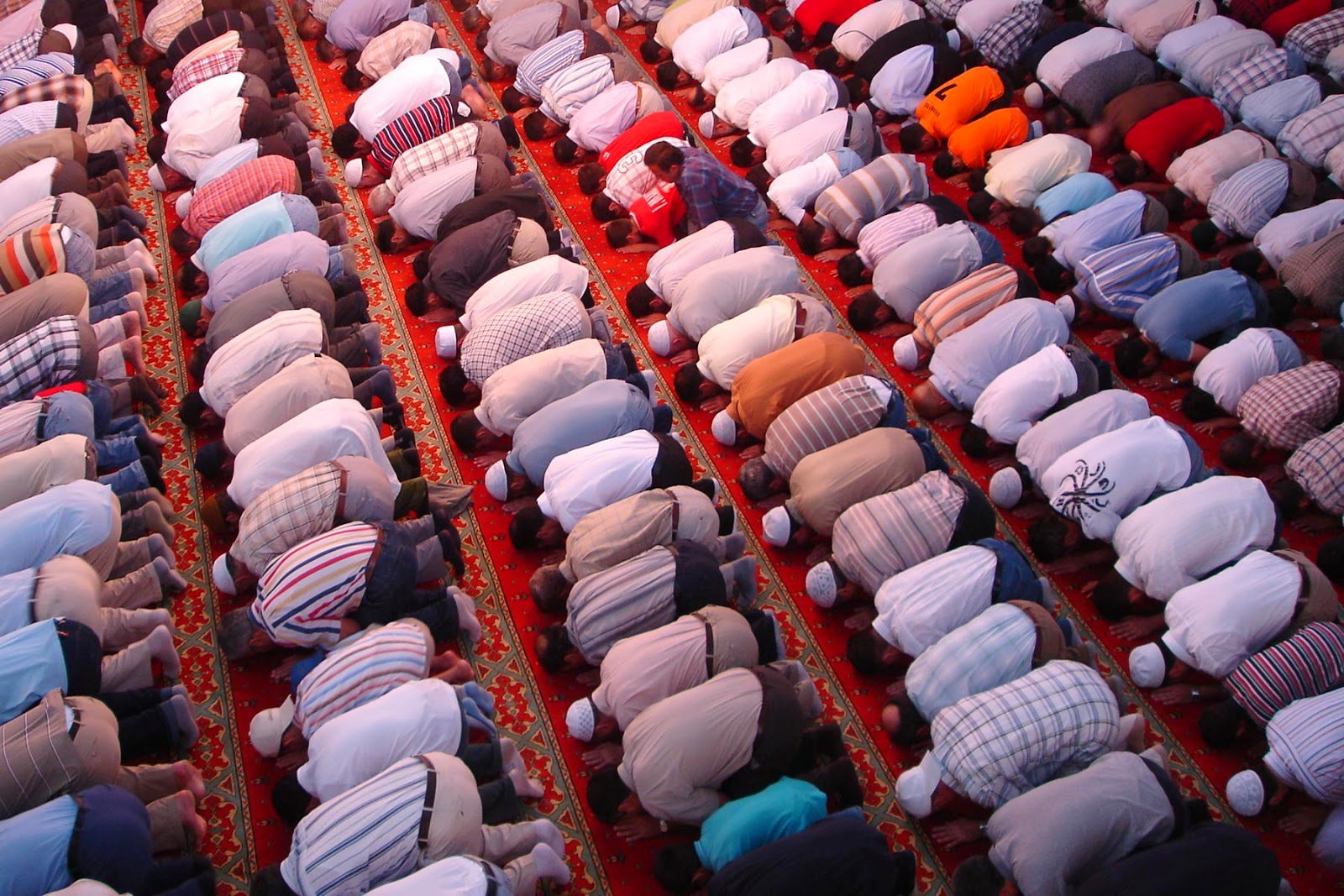 10 TIPS ON HOW TO CONCENTRATE DURING SALAT (PRAYERS)