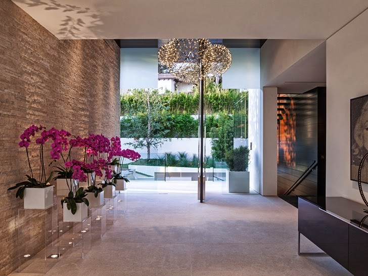 Hallway in Perfect modern mansion in Beverly Hills