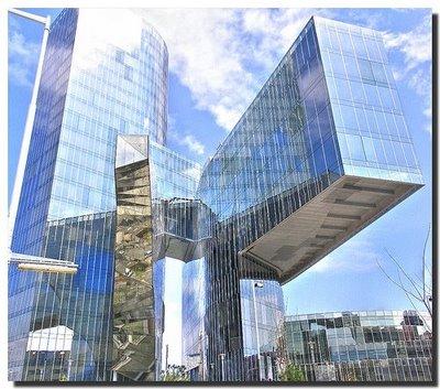 farzaneh sadeghi: Architecture