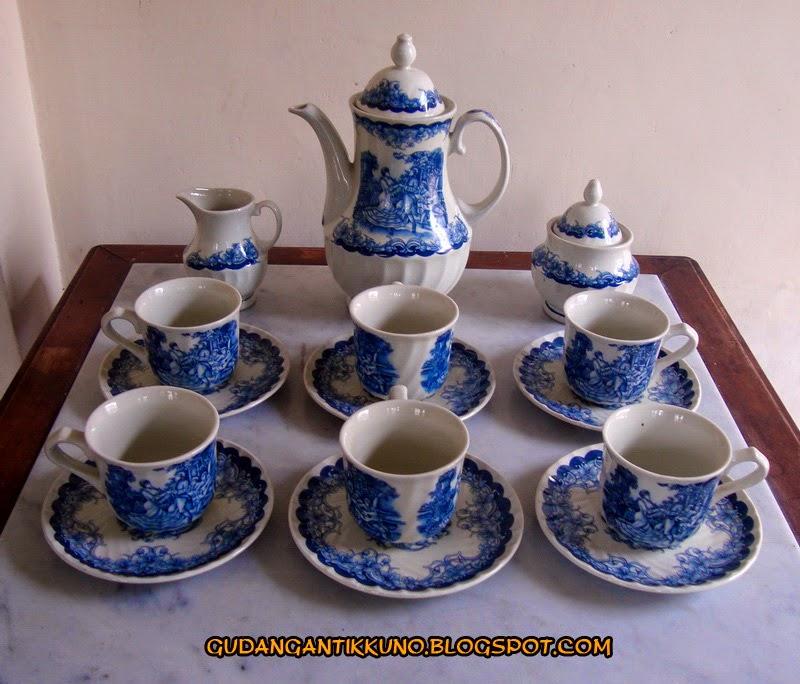Tea Set Keramik Antik