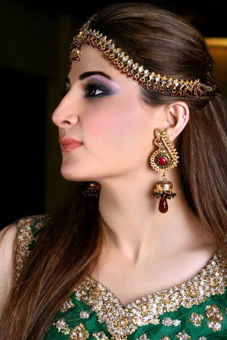 Cute Bridal Makeup Pictures : Entertainment News: Cute Pakistani Bridal Makeup and ...