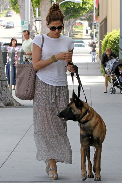 Street Style Eva Mendes Best Off Duty Outfits The