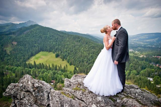 http://kasia-skalska.blogspot.com/2014/08/my-wedding-moj-plener-slubny-nosal-cafe_19.html