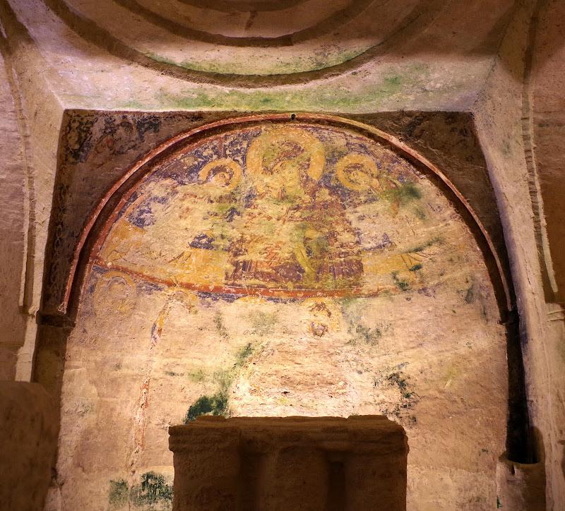 Darstellung der Jungfrau Maria in der Apsis der Grottenkirche San Salvatore in Giurdignano (Apulien)