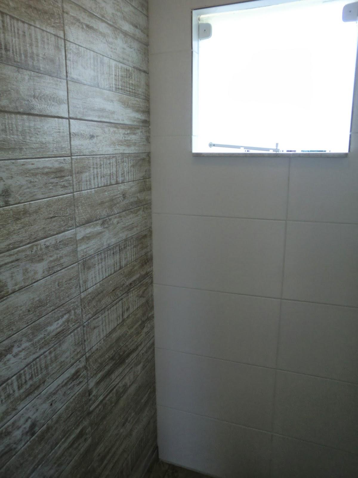 em reforma Durante a Reforma Reforma Barata de Lavabo e Banheiro #437188 1200x1600 Altura Pontos Hidraulicos Banheiro
