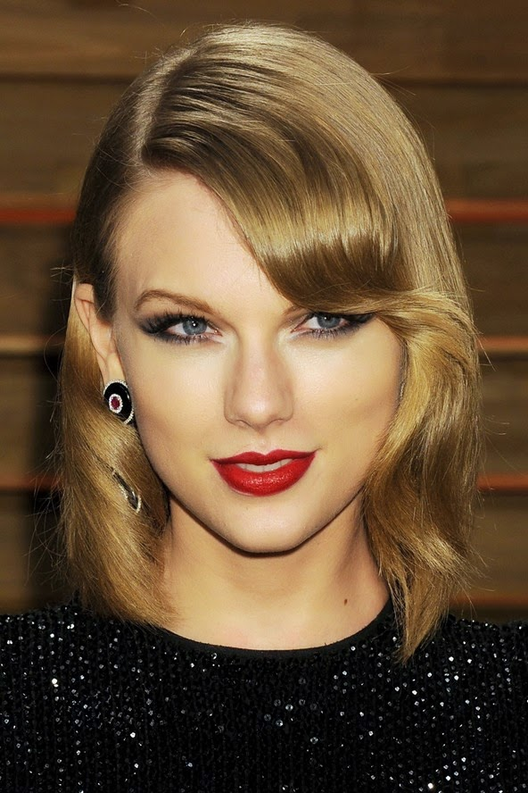 Taylor Swift shows her new bob off with vintage waves