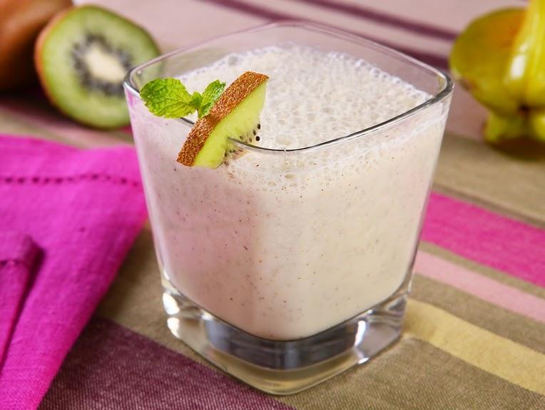 Vitamina de Carambola e Kiwi (vegana)