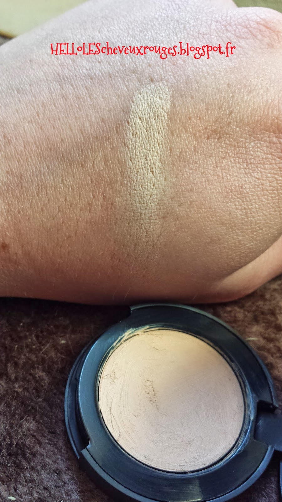swatch anti cernes kiko sur ma main
