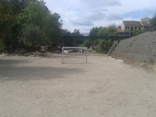 Campo Futebol da Praia Fluvial Sangemil