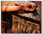 Confie nas mãos ensaguentade de Jesus