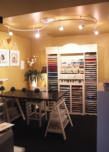Craft room designs by robin craft storage ideas the epitome of a neat and organized craft space robins studio from over at designs by robin is truly an inspiration take a look for yourself solutioingenieria Gallery