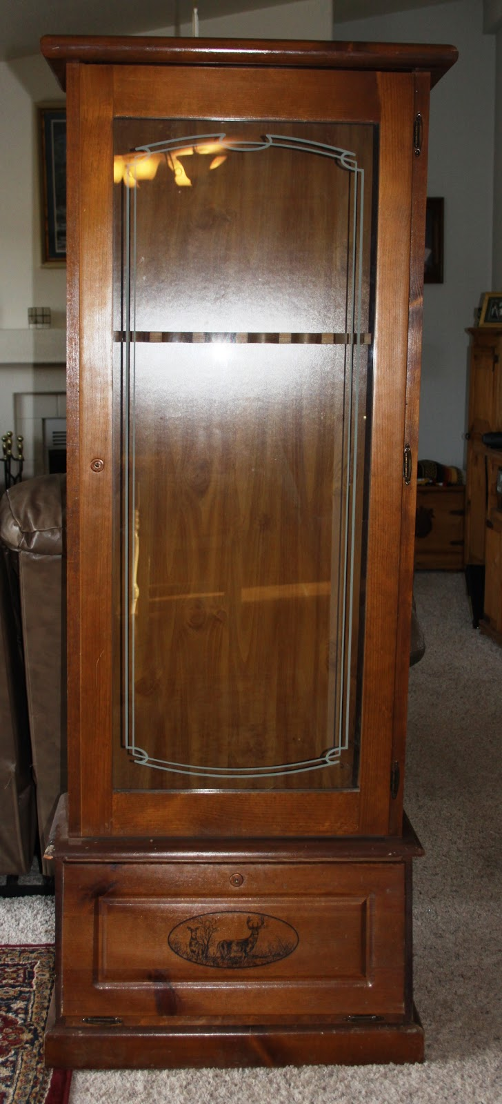 Gentil Glass Front Gun Cabinet For Sale