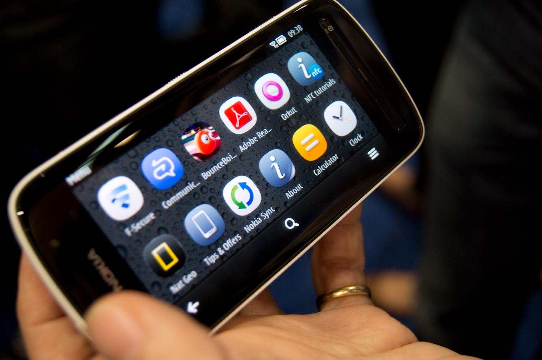 Nokia 808 PureView Review : Handphone Review