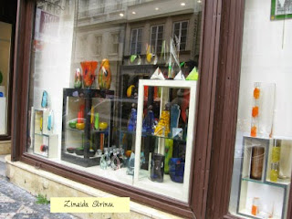praga-vitrina-unui-magazin-cu-obiecte-din-cristal-de-boemia