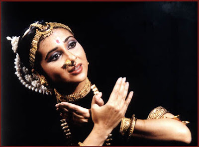Sharmila Biswas performing Odissi in a dance