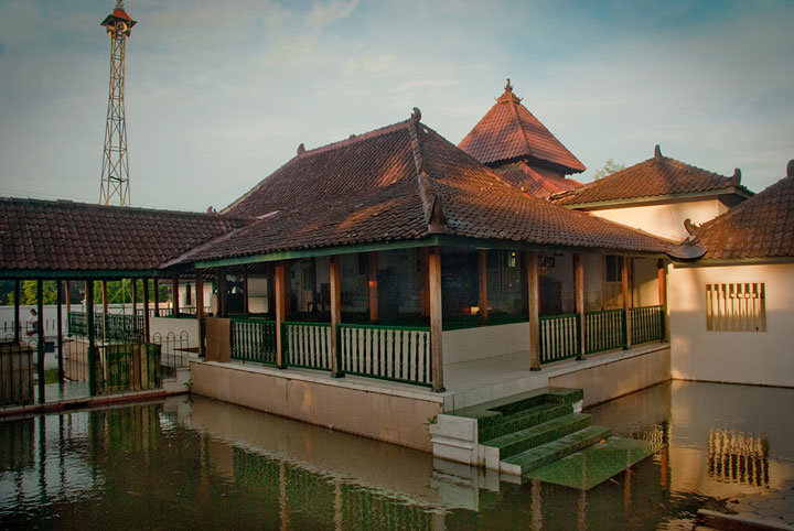 Jami Mosque Sulthoni Plosokuning, known as the State Pathok mosque. This is one of the oldest mosque's palace which...