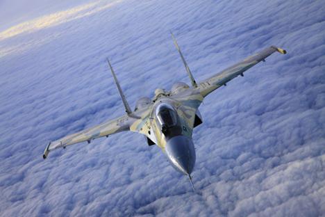 Benarkah Su-27 Lampaui Pesawat Siluman Terbaru AS ?