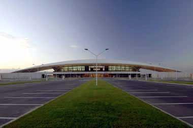 Bandara Internasional Carasco, Montevideo