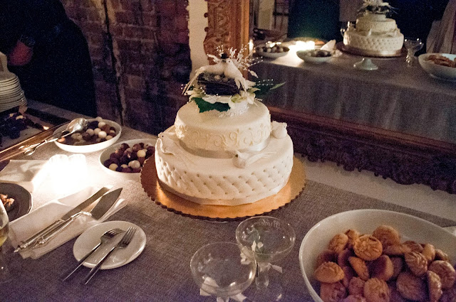 A Model Wedding, wedding cake and dessert at Gary's Lofts