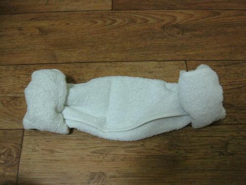 Cách gấp khăn ủ tóc kiểu con cừu như trong phim Hàn Quốc ảnh 5