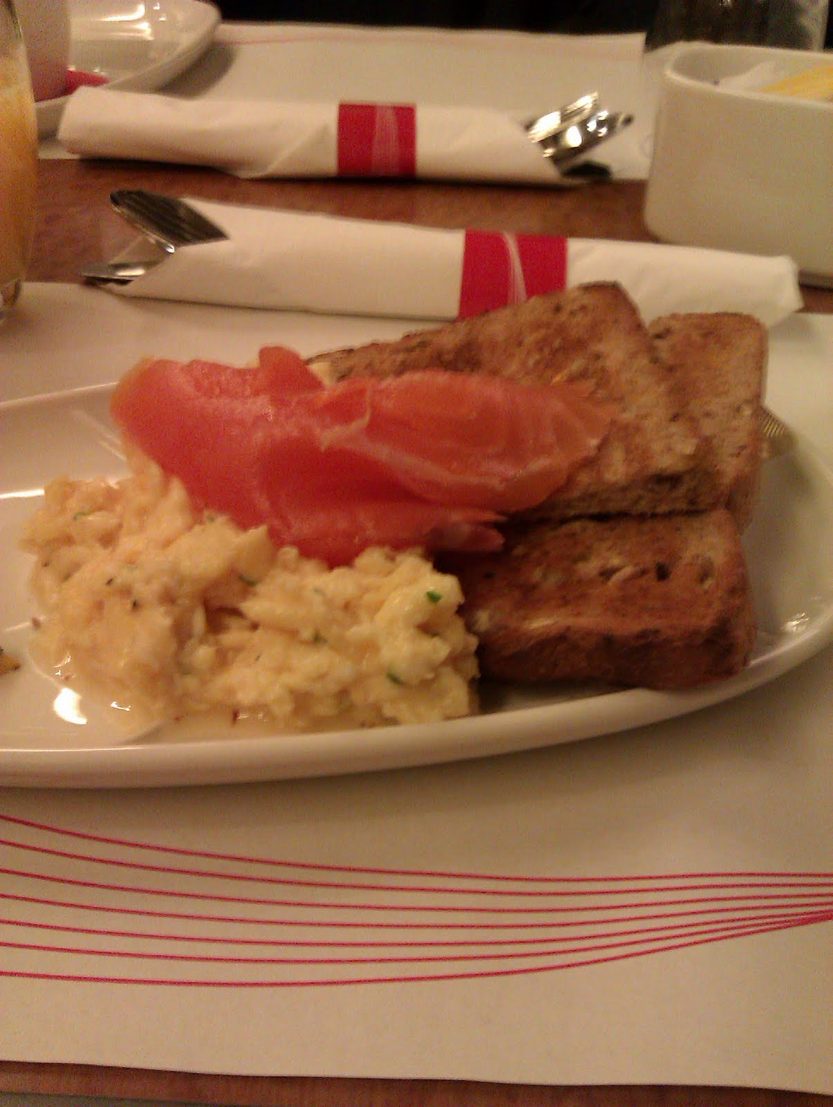 Northern food breakfast aboard virgin trains for Food bar on virgin trains