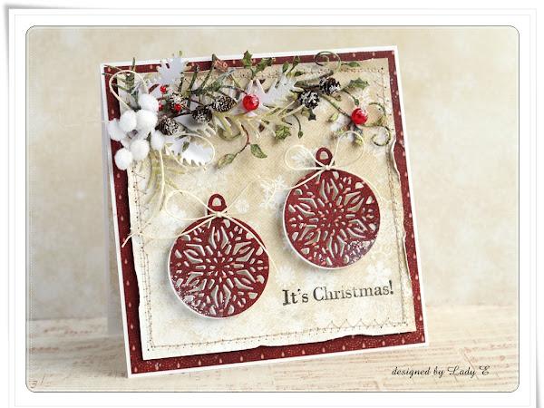 With ornaments / Z bombkami