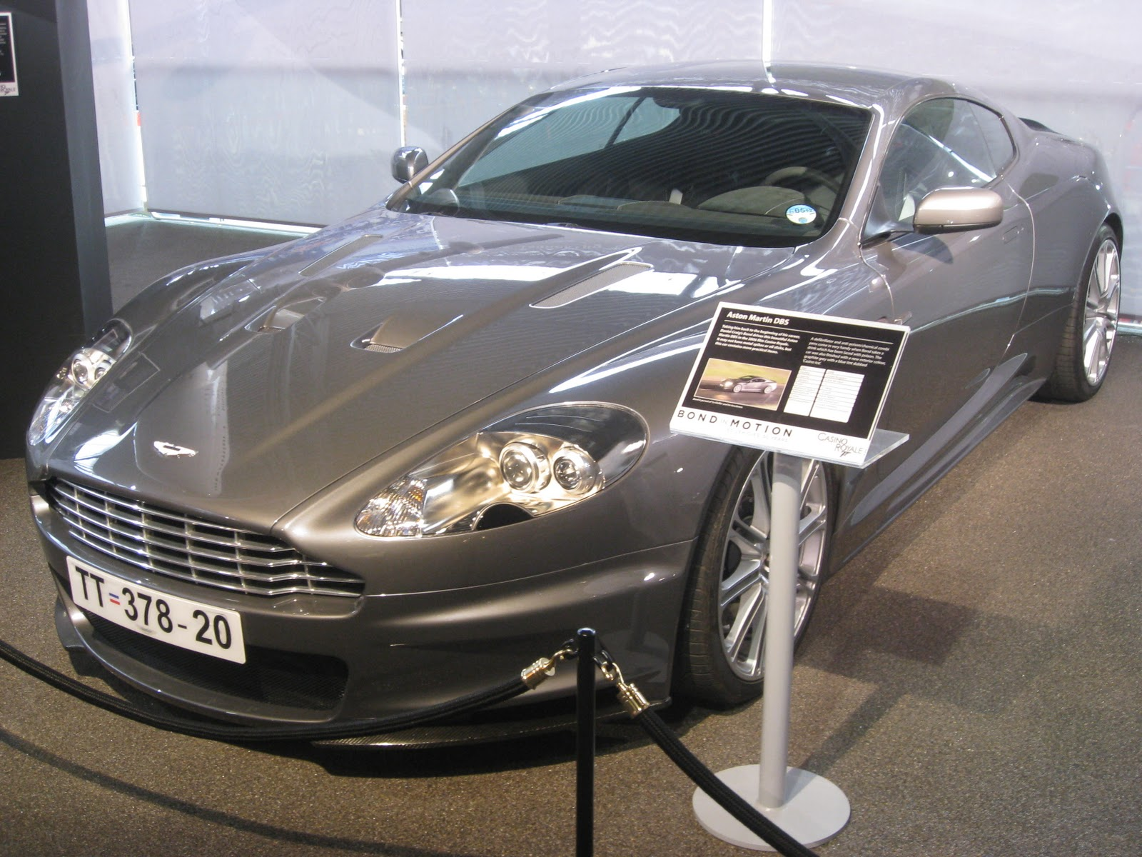 Casino royale cars used