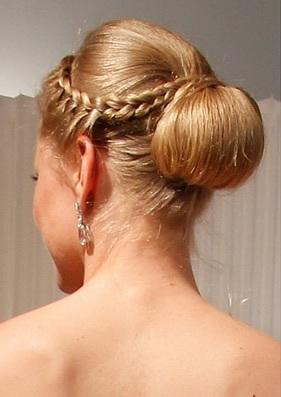 Peinados de novia 2016 Los estilos ganadores para verte  - Peinado Con Recogido Trenzado