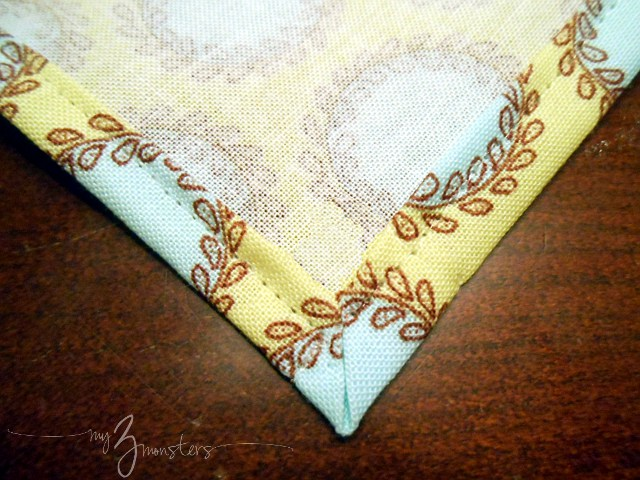 diy cloth napkins, how to make cloth napkins, sewing napkins, homemade napkin ring ideas, how to sew mitered corners
