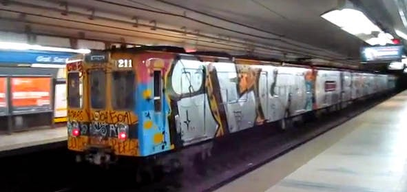 metro writers graffiti buenos aires