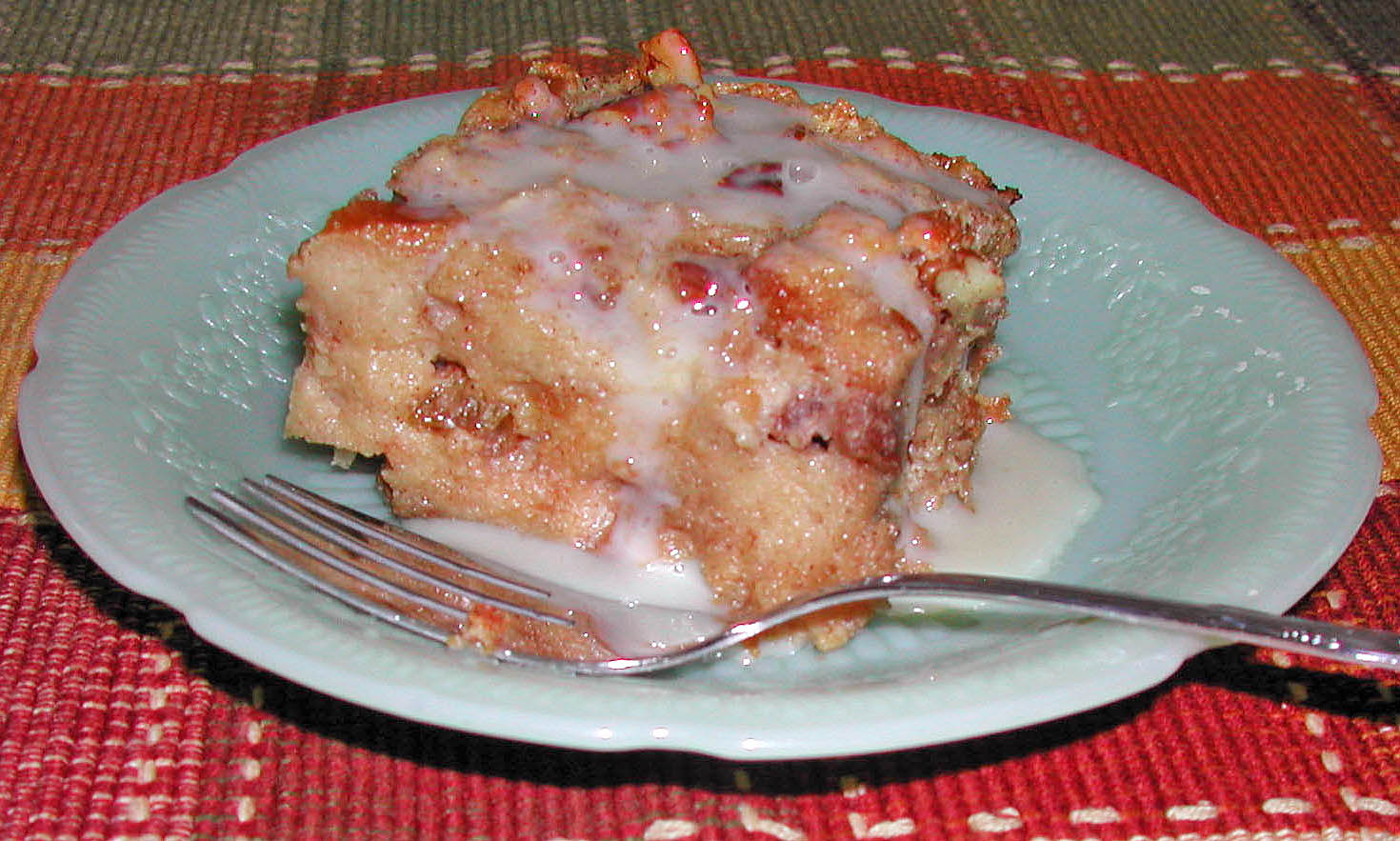 The Iowa Housewife: Bread Pudding with Rum Sauce