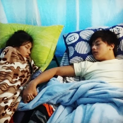 Kathryn Bernardo and Daniel Padilla 'Holding Hands While Sleeping' Photo