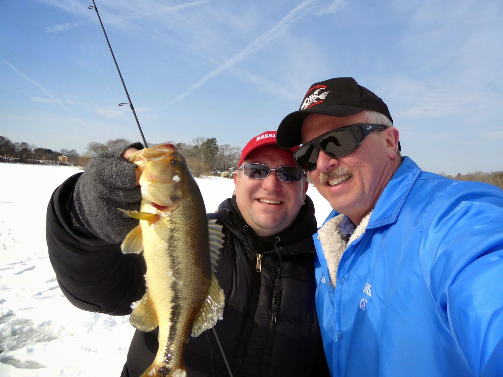 Bassin 39 usa bass fishing blog finally some ice fishing for Ice fishing for bass