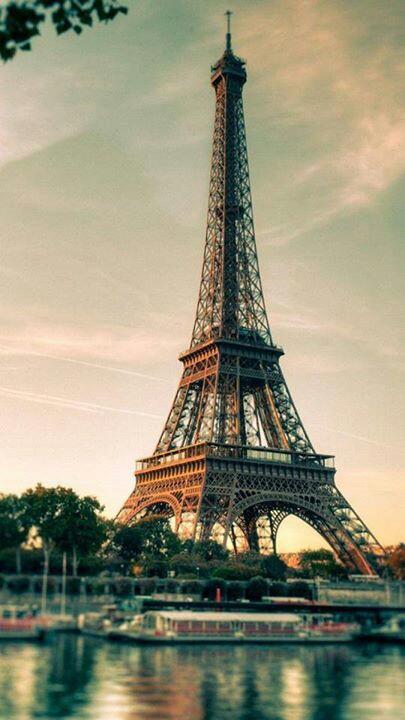 Nos vamos a París